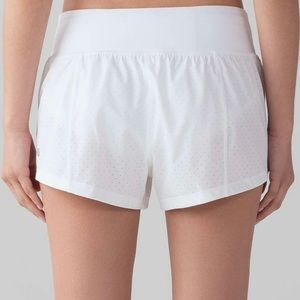 Lululemon Final Lap Shorts size 6 White